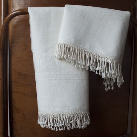 Set of 2 cotton and linen towels with drawings of twills.